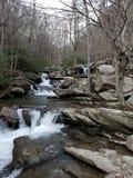 Ljudet av en vattenfall kan lugna andan royaltyfria foton