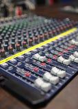 Ljudsignal blandande konsol Arkivbild