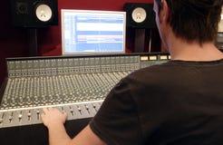 ljudsignal blandande panel Arkivbilder