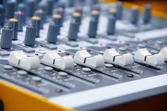 Ljudsignal konsol 4 arkivfoton