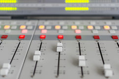 Ljudsignal konsol Royaltyfria Foton