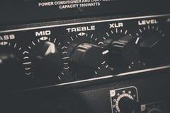 ljudsignal mörk utrustningblixtnatt Arkivfoton