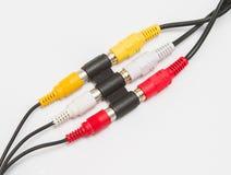 Ljudsignal och video kabelanslutning med adapteren Royaltyfri Fotografi