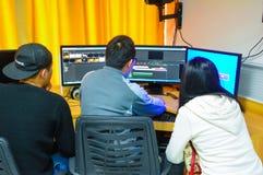 Ljudsignal och video som redigerar undervisningövning Royaltyfria Foton