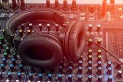 Ljudsignalt ljud f?r blandare royaltyfria bilder