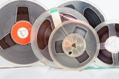Ljudsignalt magetic rullband arkivbilder