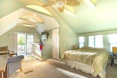 Ljus, öppen och varm vind med välvde tak i sydlig Cal arkivfoton