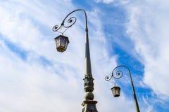 Ljus av den röda marinbron i St Petersburg Royaltyfri Foto