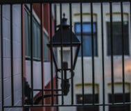 Ljus bak stänger Fotografering för Bildbyråer
