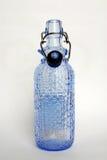 Ljus - blå Galss flaska Royaltyfria Foton