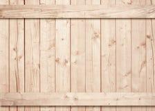 Ljus - brun trävägg, stakettextur med horisontal- och vertikala plankor Royaltyfria Foton