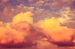 Ljus färgrik himmel som en bakgrund Royaltyfri Fotografi