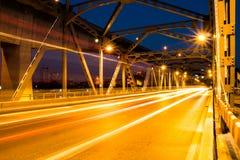 Ljus för Krungthep brostråle i Bangkok Thailand Royaltyfri Foto