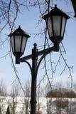 Ljus för tappningstilgata i den Dmitrov Kreml, Moskvaregion royaltyfria bilder