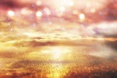Ljus galax- eller fantasibakgrund abstrakt begreppbristningslampa magisk och gåtabegrepp fotografering för bildbyråer