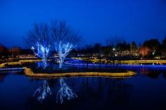 Ljus garnering som reflekterar på vattenyttersidan på Nabana ingen Sa Arkivfoto