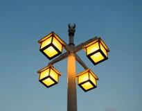 Ljus i gatamorgontid arkivbild