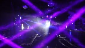 Ljus i tom nattklubb stock video