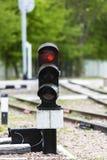 ljus järnväg red visar signaleringstrafik station Fotografering för Bildbyråer