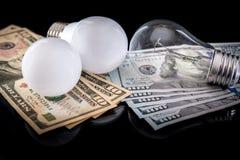 Ljus kula med den isolerade dollaren Fotografering för Bildbyråer