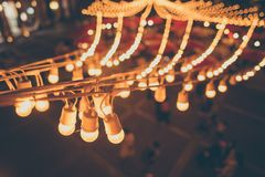 Ljus kula ?ver nattmarknadsfestival royaltyfria foton