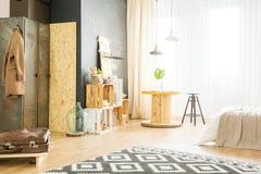 Ljus lägenhet för hipster royaltyfri fotografi