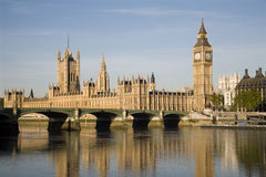 ljus london parlamentsoluppgång Arkivfoton
