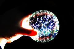 ljus magisk sfär i mänsklig hand arkivbilder