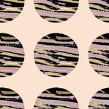 Ljus modell av svarta cirklar med textur på rosa bakgrund EPS10 royaltyfria foton