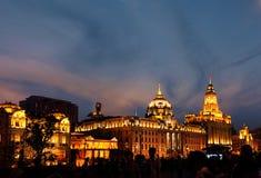 ljus natt shanghai för byggnader Fotografering för Bildbyråer