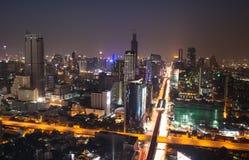 Ljus nattstad i bangkoken Arkivbild