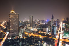 Ljus nattstad i bangkoken Royaltyfria Bilder