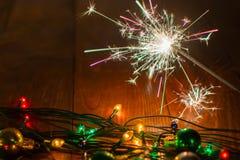 Ljus och leksaker 13 för ` s för nytt år Arkivbilder