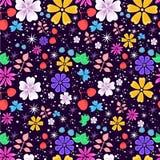 Ljus och rolig sömlös blom- modell på mörk violett bakgrund Arkivfoton