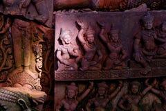 Ljus och skugga på den Asien skulpturen Royaltyfri Foto