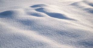 Ljus och skuggor på snön Arkivfoton