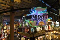 Ljus och utsmyckad kabelbil Royaltyfri Fotografi