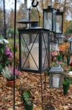 Ljus på kyrkogården Arkivbild