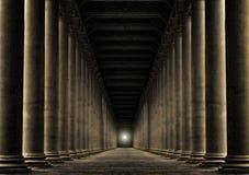 Ljus på slutet av raden av pelare Arkivbild