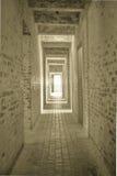 Ljus på slutet av tunnelen stock illustrationer