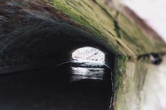 Ljus på slutet av tunnelen Arkivbild
