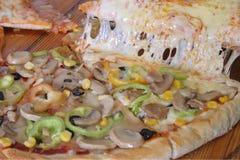 Ljus pizza Royaltyfri Bild
