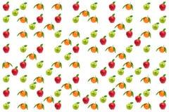 Ljus sömlös textur Nya äpplen och apelsiner som isoleras på vit arkivfoton