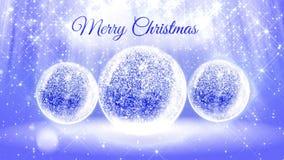 Ljus ljus sammansättning för glad jul med snö från blänker partiklar och mousserar i snowglobe eller kastar snöboll lager videofilmer