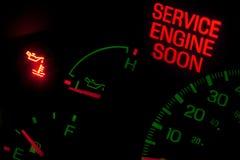 ljus service för motor snart royaltyfri bild