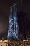 Ljus show i Sagrada Familia arkivbild
