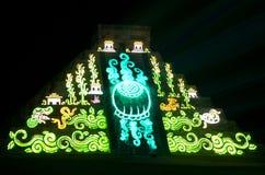 Ljus show på den mayan pyramiden i Chichen Itza Mexico, Arkivbild