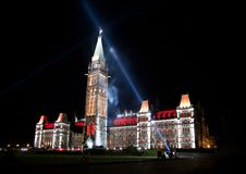 Ljus show på det kanadensiska huset av parlamentet Royaltyfria Bilder