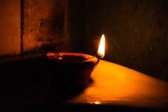Ljus ska vägleda dig som är hem- Royaltyfri Fotografi