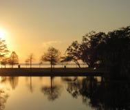Ljus solnedgång över sjön Pontchartrain Arkivfoto